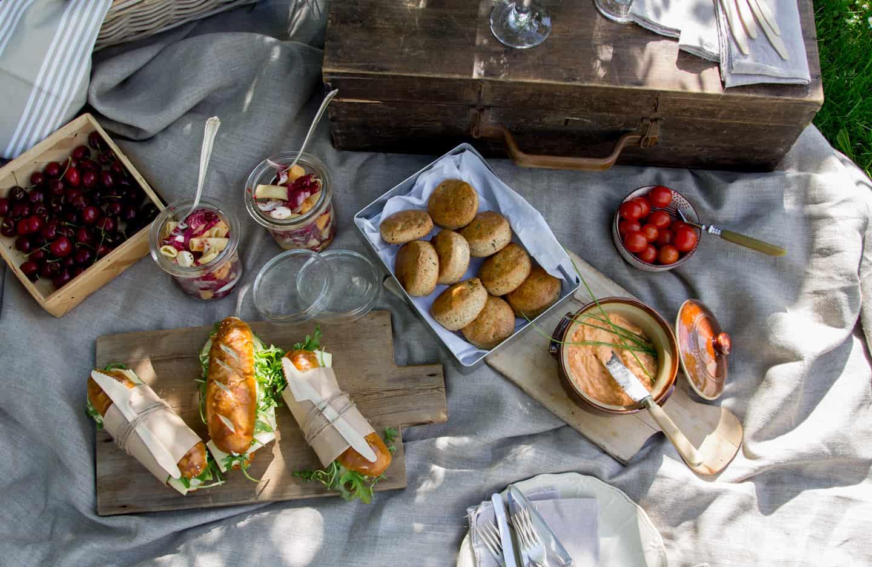 Picknick mit vielen Leckereien
